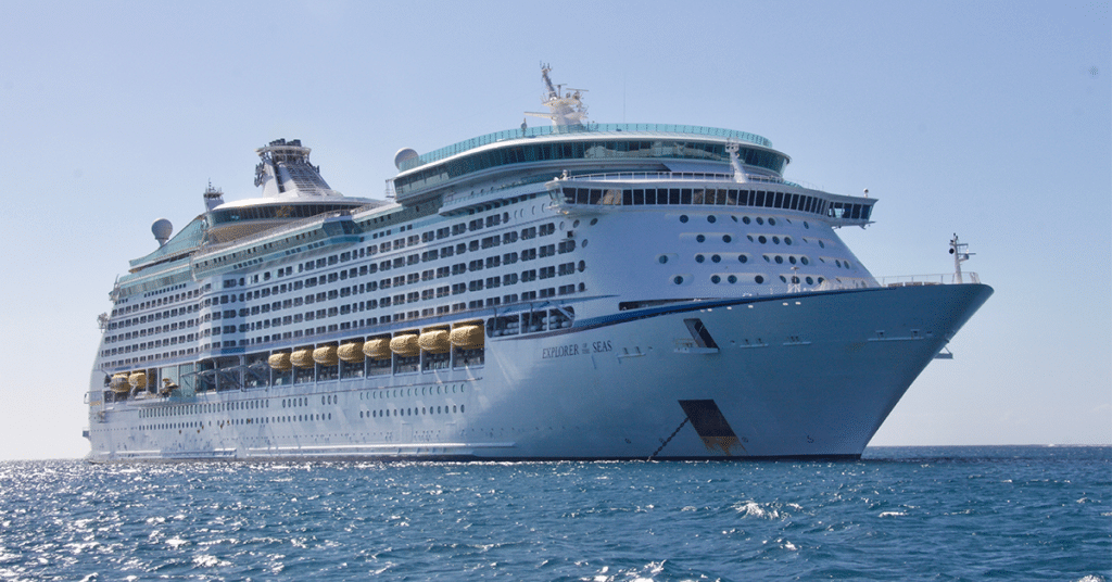 Canadian cruise ships to set to sail again in November